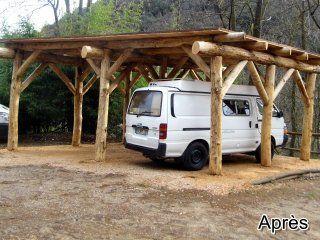 Monoblet-abris-vehicule-rondins-de-bois